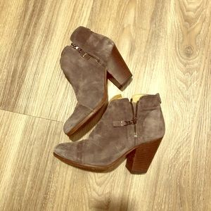 Rag and bone ankle boots in gray